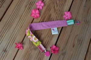 Accroche-doudou fleuri