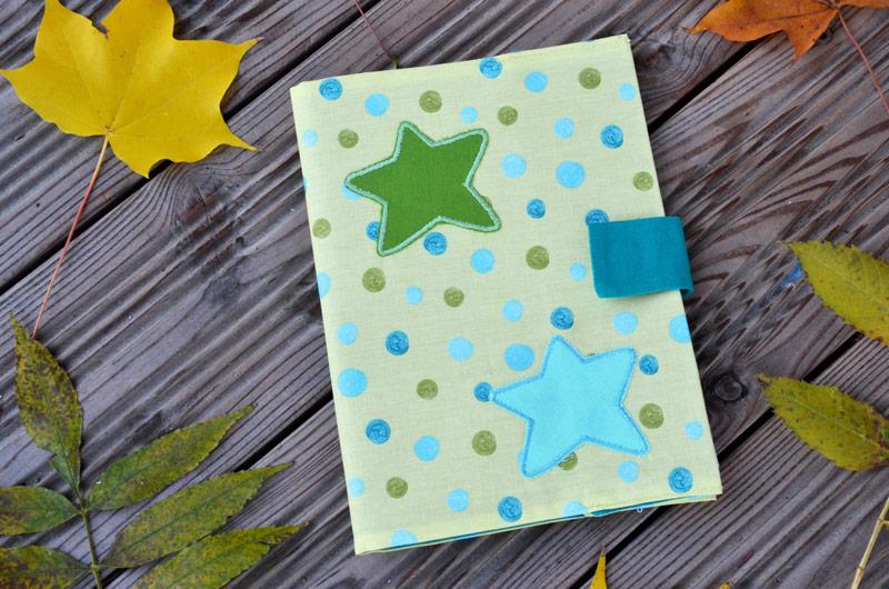 Cahier étoiles vertes