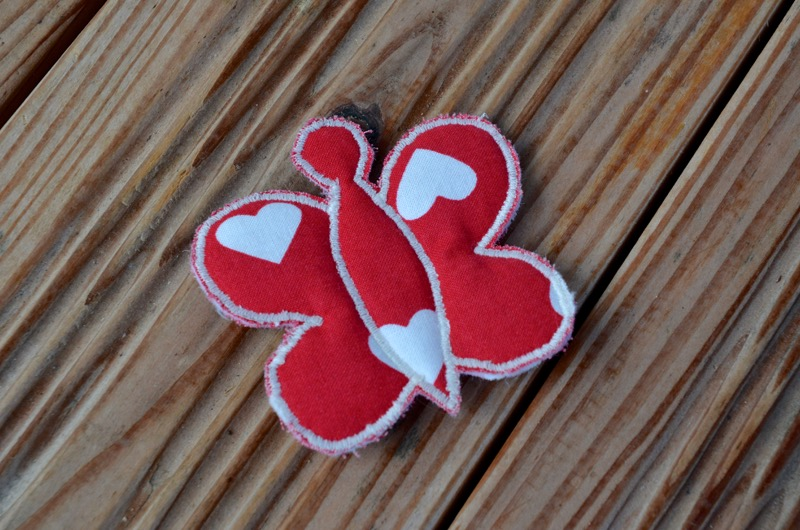 Barrette papillon rouge