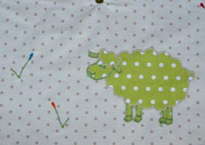 Poncho Mouton